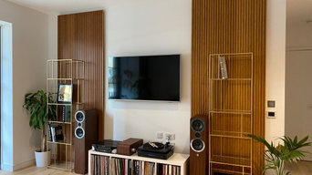 Bamboo profiled panels in modern city apartment