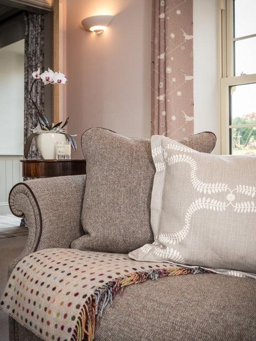 Landhausstil Wohnzimmer mit rosa Wandfarbe - Ideen, Design, Bilder ...