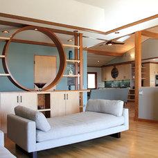 Modern Living Room by Madson Design