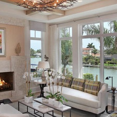 Traditional Living Room by BCB Homes, Inc.