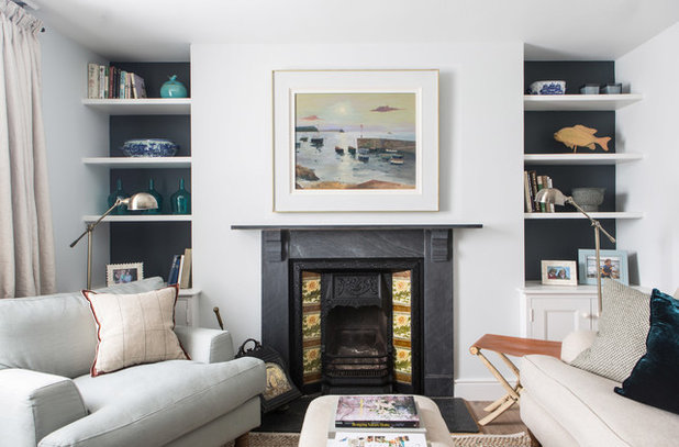 Dos and Don'ts of Hanging Art Above a Fireplace