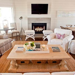 contemporary living room by Munger Interiors