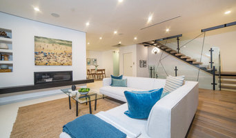 Beach Modern Staging