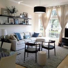 Beach Style Living Room by agid