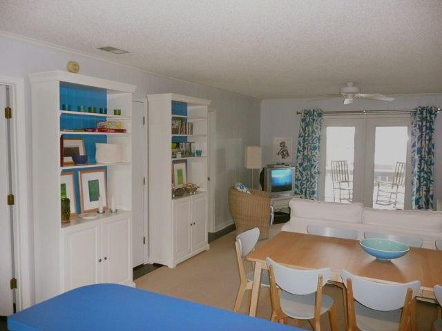 Modern Dining Room by Jennifer Hulse Design