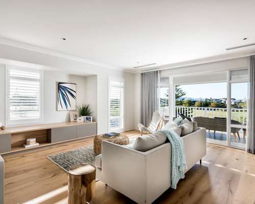 Beach Style Living Room Design Ideas, Renovations & Photos