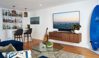 Beach-y Bachelor Living Room + Bar