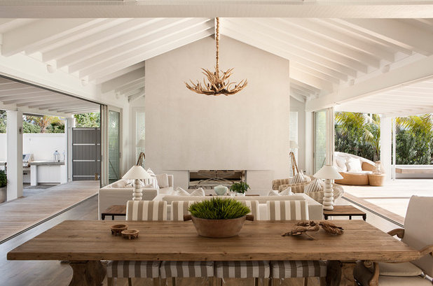 Beach Style Living Room by Christian Anderson Architects