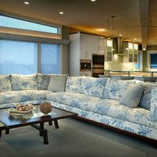 Beach Style Living Room by Diane Burgoyne Interiors