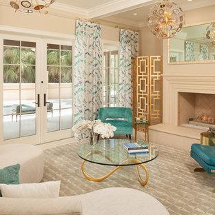 Exempel på ett mellanstort klassiskt vardagsrum, med beige väggar, en standard öppen spis, beiget golv och ett finrum