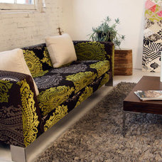 Eclectic Living Room by Viesso