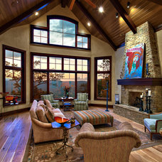 Traditional Living Room by Glennwood Custom Builders (NC)