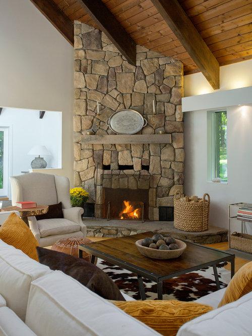 Medium sized rustic living room design ideas renovations for Medium sized living room
