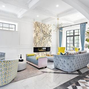 Aménagement d'un salon contemporain de taille moyenne et ouvert avec un mur blanc, un sol en carrelage de porcelaine, une cheminée ribbon, un manteau de cheminée en pierre, un sol multicolore et un plafond à caissons.