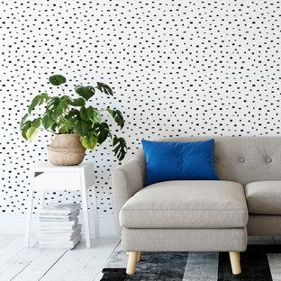 Imagen de salón cerrado y papel pintado, moderno, grande, papel pintado, con paredes blancas y papel pintado