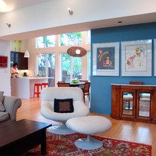 Modern Living Room by Steve Zagorski, Architect