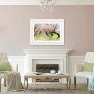 Foto di un soggiorno shabby-chic style con sala formale, pavimento in legno verniciato, camino classico, cornice del camino in legno e pareti beige