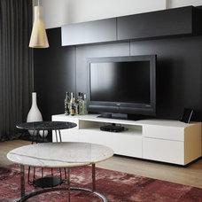 Contemporary Living Room by GOTWOB