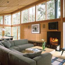 Modern Living Room Boles/Kahle beach house