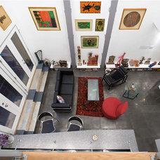 Modern Living Room by studio J2