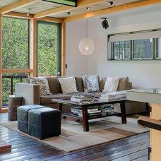 Contemporary Living Room by James Maynard- Vantage Imagery LLC