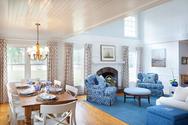 Traditional Living Room by Bountiful