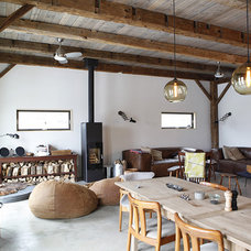 Rustic Living Room by kimberly peck architect