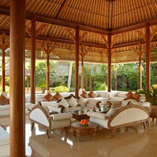 Foto på ett tropiskt vardagsrum