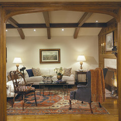 traditional living room by Diane Bennett Bedford