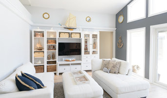 Bright Nautical Livingroom | Beach Style