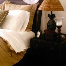 Tropical Living Room British Colonial Design Ideas
