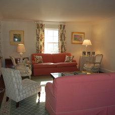 Traditional Living Room by Brooke I. Ackerman Interiors, LLC.