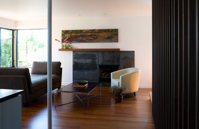 Contemporary Living Room by Floisand Studio
