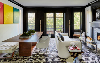 Black-and-White Palette for a Casually Refined Great Room