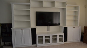 Build-In Speakers/Custom Media Center