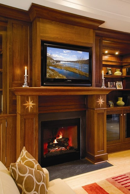 traditional living room by Superior Woodcraft, Inc.