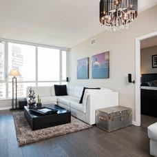 Modern Living Room by Renocon Design
