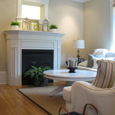 Traditional Living Room by HARDROCK CONSTRUCTION