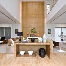 Eclectic Living Room by Sandra Romanoff
