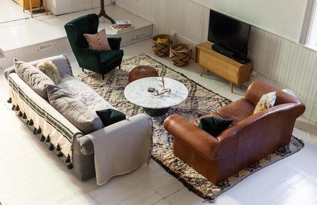 Farmhouse Living Room by Jenn Hannotte / Hannotte Interiors