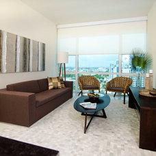Contemporary Living Room by Saccaro USA