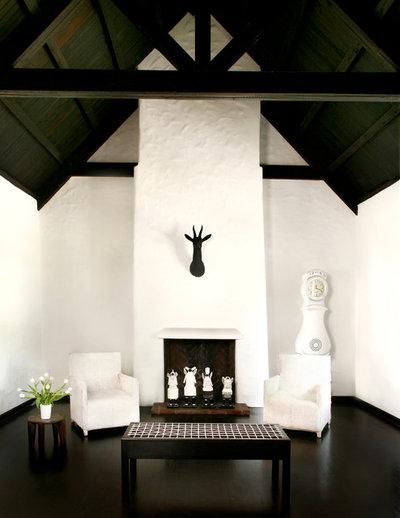 Mediterranean Living Room by CÚRE & PENABAD