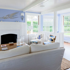 beach style living room by Curl Architecture