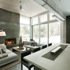 Modern Living Room by Kaegebein Fine Homebuilding