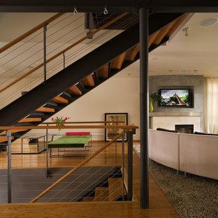 Modernes Wohnzimmer mit Bambusparkett in Seattle