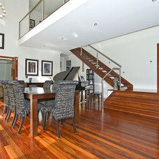 Modern Living Room by Imperial Homes Qld Pty Ltd