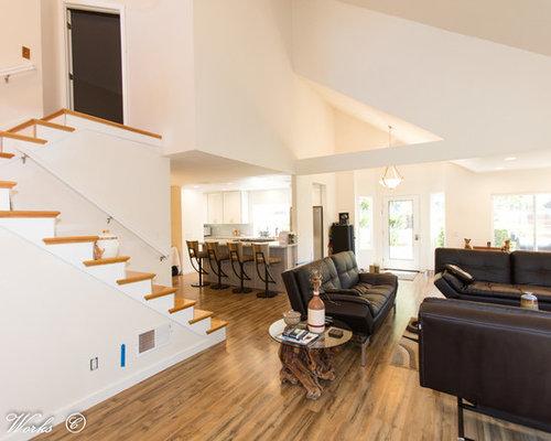wohnzimmer mit h ngekamin und gebeiztem holzboden ideen. Black Bedroom Furniture Sets. Home Design Ideas