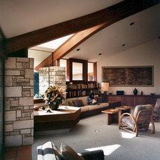 Modern Living Room by Daniel Ruark, Architect