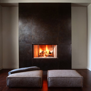 This is an example of a modern living room in San Francisco.