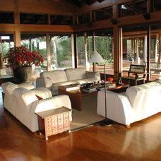 Tropical Living Room by Nelson de Leon/Locus Architecture Inc.